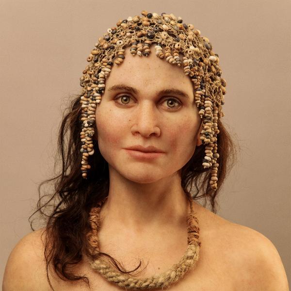 hommes préhisoriques et bijoux